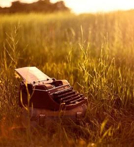 typewriter-273x300