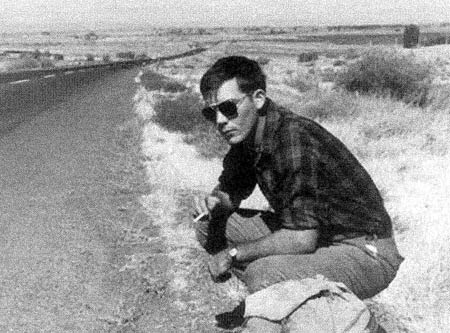 huntersthompson bipolar Hitching-Hunter-S-Thompson-crouching-by-road (1)